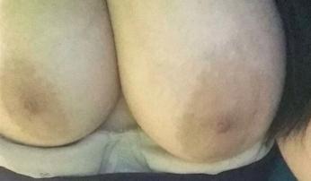femmes a grosse poitrine