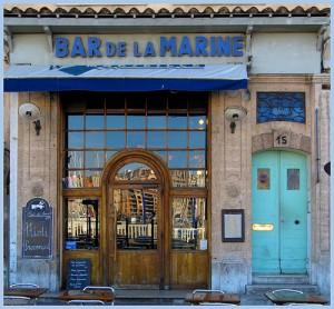 Bar de la Marine pour rencontre cougar Marseille