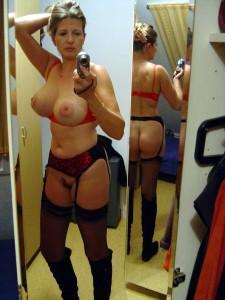 selfie MILF aux gros seins