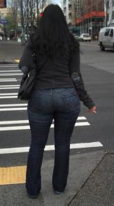 femme avec beau cul en ville